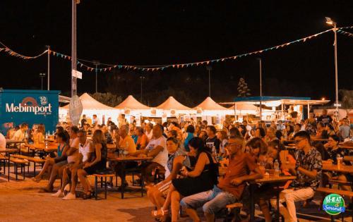 Grande finale per M-Eat & Sound con il Festival Bar Italia. Ultima notte all'Arena del Mare di Mancaversa