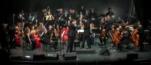 Tony Hadley canta con l'Orchestra della Magna Grecia