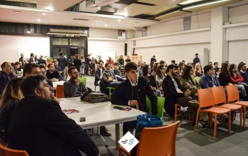 Bari ospita l'ottava edizione di Start Up Weekend