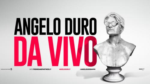 Angelo Duro in scena a Bari
