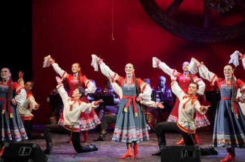 """Balletto Accademico Statale Russo """"E. Popov"""" in scena a Bari"""