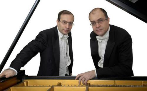 Concerti con Aperitivo: il Duo pianistico Pollice al Teatro Apollo