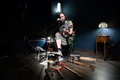 NOISE / BlackMonday :: ZI ROCK and his little toys - Live Show