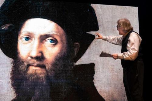 Vittorio Sgarbi approda a San Severo con il suo spettacolo dedicato a Raffaello