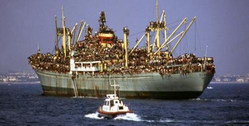 La Nave Dolce in scena a Bari