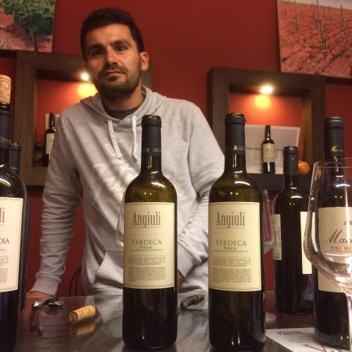 Il Vino, una passione di famiglia, l'az. Agr. Angiuli Donato in degustazione all'Enoteca Il Tralcio