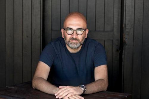 """DONATO CARRISI presenta """"La casa delle voci"""" a Taranto"""