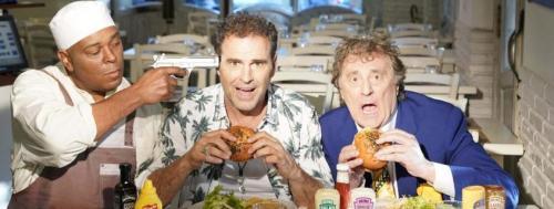 """Enzo Iacchetti in scena con """"Hollywood Burger"""""""