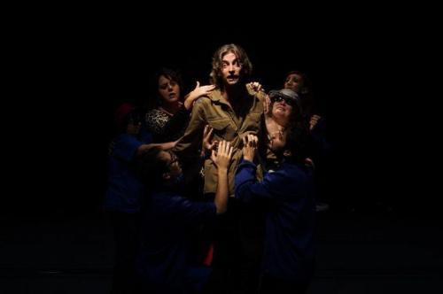 I Figli della Frettolosa, in scena a Trani