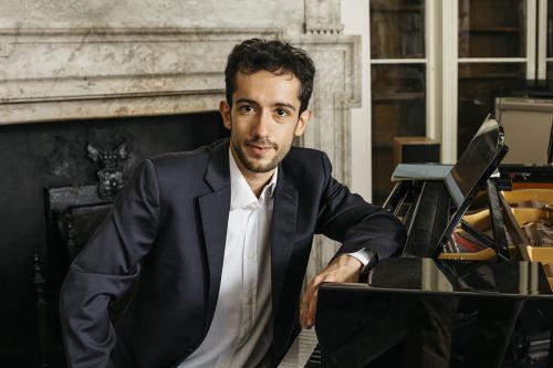 Andrea Emanuele piano