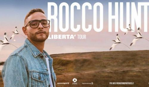Rocco Hunt live concert al Demodè Club