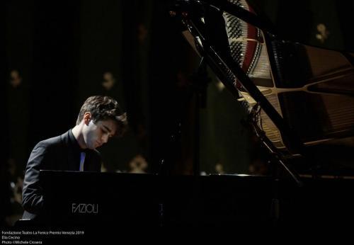 Elia Cecino piano
