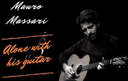 Mauro Massari - Alone with his guitar